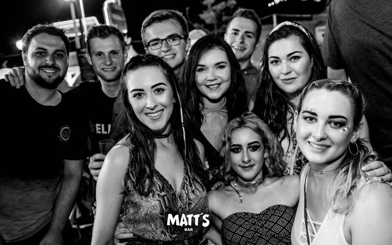 ladies matts bar albufeira